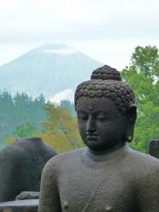 statue de bouddha en pierre - par Rue de Siam
