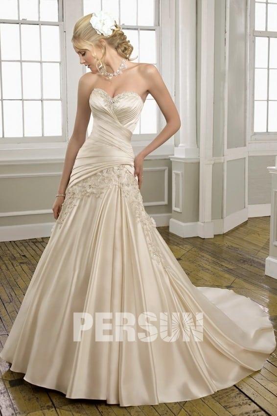 Robe de mariée en couleur beige